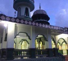 masjid_kailolo_berjamaah
